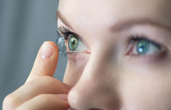 Lentilles de contact pour l'astigmatisme