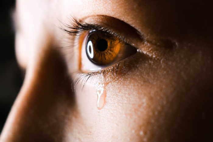 yeux qui pleurent