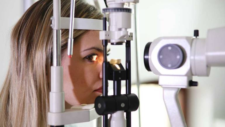 Test de vue pour les lentilles de contact